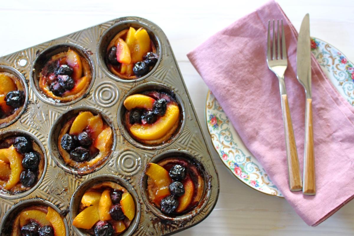 peach cherry tart cups